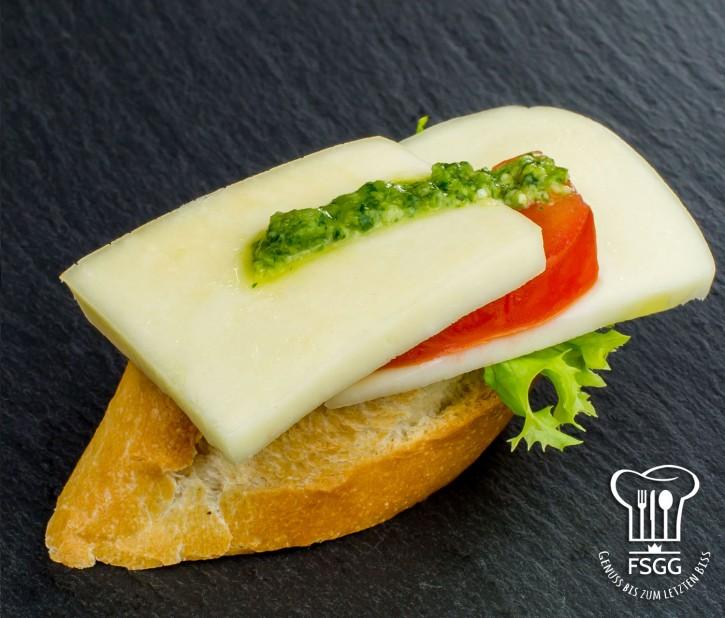 Canapé Tomate/Mozzarella Weizen
